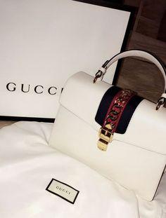fcc2c508c2 Bags · INSTAGRAM  dakotaxtaren SNAPCHAT  dakota.tara PINTEREST    dakotaxtaren ♡ Dolce   Gabbana