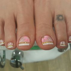 ❤ Pretty toe nail art idea for your next summer pedicure! Pretty Toe Nails, Cute Toe Nails, Gel Nails, French Pedicure Designs, Toenail Art Designs, Pedicure Nail Art, Toe Nail Art, French Tip Nails, French Tips
