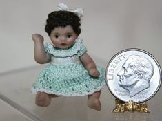 Hand Crochet, Crochet Hats, Crochet Clothes, Dolls, Mini, Handmade, Fashion, Knitting Hats, Baby Dolls
