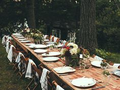 fall outdoor dinner party | Ideas for setting a table