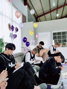 Bts Blackpink, Bts Twt, Bts Bangtan Boy, Namjoon, Seokjin, Bts Taehyung, Jimin Jungkook, Jung Kook Bts, Jung Hoseok