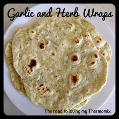 Herb and Garlic Wraps bakers flour water olive oil 4 small garlic cloves, peeled 6 springs parsley A pinch of rosemary and oregano teaspoon each of salt and pepper Thermomix Bread, Cooking Recipes, Healthy Recipes, Yummy Recipes, Yummy Food, Tortilla Wraps, Sorbets, Wrap Recipes, Food Print