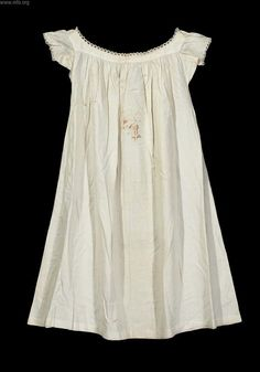 regency chemise pattern | An American Regency chemise; which seems a little different in style ...