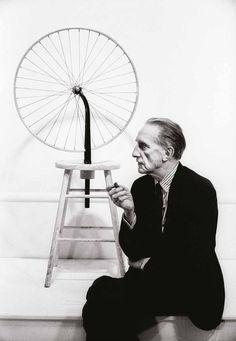 Marcel Duchamp, Duchamp Retrospective, Pasadena Art Museum, 1963 contemporary light jet print 40 x © Julian Wasser Famous Artists, Great Artists, Dada Artists, Hans Richter, Francis Picabia, Art For Art Sake, Man Ray, Conceptual Art, Art Plastique