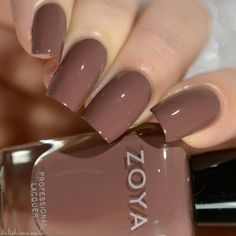 Zoya Naturel 3 – DeLishious Nails Mary - All For Hair Color Trending Diy Nails, Nail Manicure, Shellac Nails, Neutral Nails, Nude Nails, Oval Nails, Essie Gel Couture, Zoya Nail Polish, Brown Nail Polish