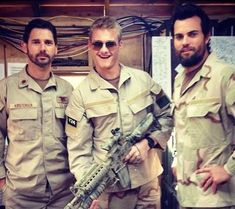 Mark Wahlberg, Eric Bana, Taylor Kitsch and Alexander Ludwig hang out on the set of Peter Berg's upcoming film Lone Survivor Epic Movie, Movie Tv, Erick Bana, Lone Survivor Movie, Marcus Luttrell, Us Army Soldier, Beard Game, Alexander Ludwig, Taylor Kitsch