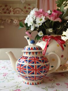 Emma Bridgewater teapot from the Union Jack collection