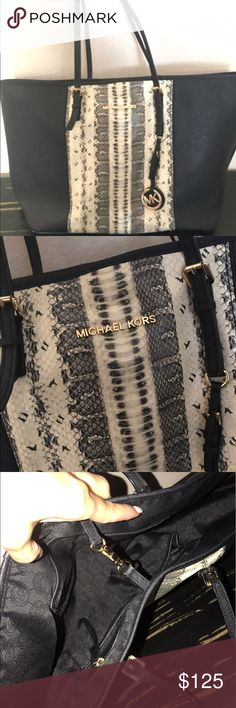 Michael Kors Purse Black Michael Kors Purse/Tote with snake skin print. In excellent condition! Michael Kors Bags Totes