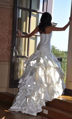 A Beautiful Pnina Tornai Wedding Dress...Love that train and that pose!