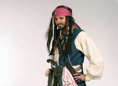 How to Create a Pirate Costume: Male and Female The Effective Pictures We Offer You About DIY Costume animal A quality picture can tell you many things. You can find the most beautiful pictures that c Pirate Halloween, Pirate Party, Halloween Costumes, Pirate Costumes, Superhero Party, Halloween Makeup, Harry Potter Disney, Halloween Images, Halloween 2016