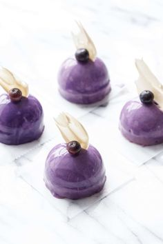 Mini Blueberry Mousse Cakes with Mirror Glaze This recipe will make 15 mini spheres or equivalent larger cakes, or one larger 6 or cake (use a cake pan lined with a piece of acetate or a silicone cake mold to assemble). Mirror Glaze Cake, Mirror Cakes, Cake Recipes, Dessert Recipes, Individual Cakes, Fancy Desserts, Little Cakes, Mousse Cake, Cake Mold