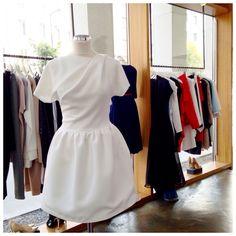 Biała, sexy sukienka z krótkim rękawem THECADESS z kolekcji AW 2014/15 Cena 1590 PLN