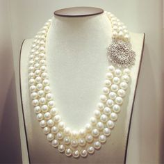 Make it simple but significant #pearl #pearlnecklace #diamond #luxurylife #fashion #richgems #myanmar