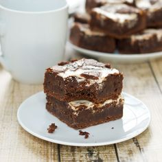 Easy Homemade Fudgy Swirl Brownies Recipe - Deep dark chocolate Swirl Brownies have sweet, tangy Greek yogurt swirls. This is the best brownie recipe ever! You can\'t go wrong with this homemade brownie recipe. Fudgy Brownie Recipe, Brownie Ingredients, Brownie Bar, Brownie Recipes, Brownie Bites, Chocolate Peanut Butter Cookies, Chocolate Chip Oatmeal, Chocolate Flavors, Chocolate Recipes
