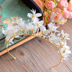 Find More Hair Jewelry Information about European High Quality Gold Tiara Crown with White Flower Hairbands Party Hair Accessories,High Quality gold tiara crown,China tiara crown Suppliers, Cheap gold tiara from Bavoen Store on Aliexpress.com