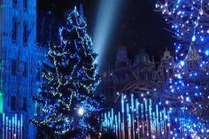 De kerstmarkt in Brussel is de mooiste van België. Het is er enorm gezellig om met je vrienden rond te lopen en aan de kraampjes iets te eten of te drinken. De volgende editie vindt plaats van 28 december 2015 tot 4 januari 2015.