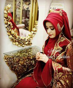My hijaab My beauty Bridal Hijab Styles, Bridal Mehndi Dresses, Disney Wedding Dresses, Pakistani Bridal Wear, Pakistani Wedding Dresses, Indian Bridal, Bridal Lehenga, Hijab Bride, Girl Hijab