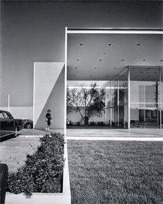 'Cool and Hot' – the photography of Julius Shulman at ZEPHYR Raum für Fotografie in Mannheim (DE) Dailytonic @ Dailytonic Gothic Architecture, Interior Architecture, Cubic Architecture, Miami Architecture, California Architecture, Beautiful Architecture, Interior Design, Richard Neutra, Richard Rogers