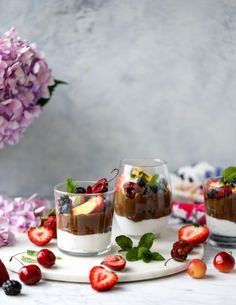avocado chocolate mousse with summer fruit I howsweeteats.com