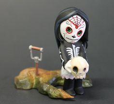 MTV Geek – Blindly Boxed Evil: Our Living Dead Dolls Figurine Review