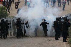 Policías reprimen a maestros en Nochixtlán, Oaxaca. Foto: AP / Luis Alberto Cruz Hernandez