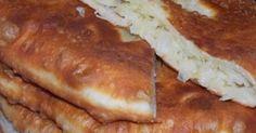 Плацинды, это блюдо молдавской кухни, плацинды бывают с разными начинками, чаще всего к качестве начинки используют тыкву, а мы приготовим плацинды с начинкой из сырой картошки. Нам понадобится: Для теста: Мука 3-4 стакана Кефир 1 стакан Сметана 2-3 ст л Сода пищевая 1 ч л Соль 0.5 ч л Для начинки: Картофель сырой 1 кг