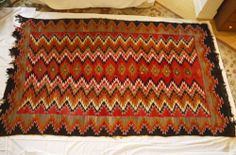 Antique 1920 Red Mesa Outline Navajo Rug
