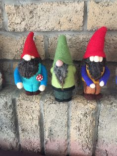 Needle Felted Gnomes. Classes and felting supplies @Fibrecraft.ca Felt Pictures, Gnomes, Needle Felting, Canada, Christmas Ornaments, Holiday Decor, Sweet, Cute, Candy