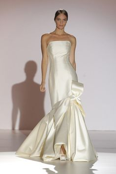 The FashionBrides is the largest online directory dedicated to bridal designers and wedding gowns. Find the gown you always dreamed for a fairy tale wedding. Stunning Dresses, Beautiful Gowns, Beautiful Outfits, Yes To The Dress, Dress Up, Bridal Gowns, Wedding Gowns, Bridal Collection, Wedding Styles