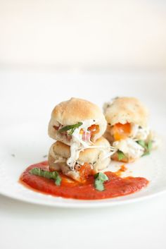 Caprese Stuffed Garlic Rolls | Oh So Delicioso