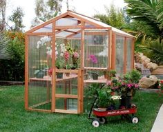 These hobby greenhouse kits come with a 4 mm double wall or a 6 mm double wall polycarbonate acting as insulation. This means greater ease of climate control and big savings in heating and cooling costs.