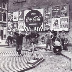 """De Jordaan"" Amsterdam, 1960s Photographer: Dolf Toussaint"