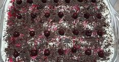 Black forest στο λεπτό !!!! 2 πακ. Σαβαγιάρ 2 φακ. Μους βανίλιας 1 φακ. Garni 600 ml γάλα φρέσκο παγωμένο 1,5 ποτήρι σοκολατούχο γάλα χλι... Black Forest, Blackberry, Fruit, Food, Essen, Blackberries, Meals, Yemek, Rich Brunette