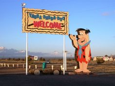 Abandoned Flintstones amusement park is located in Bedrock City, Arizona. Tourists made stops there on their way to the Grand Canyon. - Interesting - Check out: Abandoned Flintstones Amusement Park on Barnorama Abandoned Theme Parks, Abandoned Amusement Parks, Abandoned Places, Abandoned Mansions, Amusement Parks In Arizona, Grimm, Yabba Dabba Doo, Jellystone Park, Route 66 Road Trip
