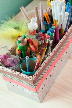 organizer kinderzimmer bastelideen originell perfekt f r den schreibtisch schafft nicht nur. Black Bedroom Furniture Sets. Home Design Ideas