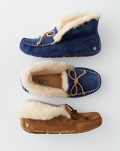 These moccasins have the kind of cozy appeal just made for winter — fold the cuff collar down loafer-style, or turn it up to envelop the foot. Made of waterproof suede with a molded rubber sole that takes you from reading by the fire to running to the mailbox. Moc stitching and fixed bow detail.