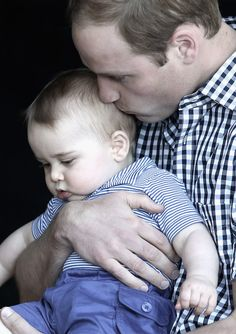 …And this is how I look when I'm enjoying a snuggle with my dad… | The Official Ranking Of Prince George's Best Facial Expressions