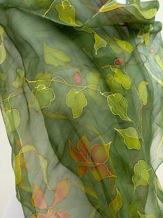 Forest green by Irisit Mais Mais Saree Painting, Dress Painting, Fabric Painting, Fabric Art, Hand Painted Sarees, Fabric Paint Designs, Silk Art, Painted Clothes, Silk Shawl