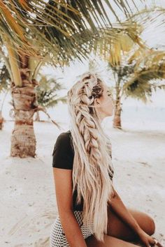 10 Hydrating Summer Hair Masks That Will Rescue Your Hair This Season - Society19 : Don't let dry, thirsty hair ruin your hot girl summer! Check out these hydrating summer hair masks designed to help you achieve all your summer hair goals!    #hair #hairmask #haircare #hairtips #Hydrating #Summer #Hair Box Braids Hairstyles, Pretty Braided Hairstyles, Summer Hairstyles, Wedding Hairstyles, Hairstyle Braid, Breaking Hair, Pretty Braids, Beach Hair, Beach Braids