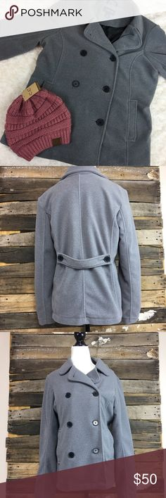 "Gray Lands' End Peacoat Excellent condition. Size Small 6-8. Measurements: Pit to Pit- 21"" and Length (Neck to hem) 27"" and (shoulder to hem) 25"". Has an inside pocket and 2 outside pockets. Lands' End Jackets & Coats Pea Coats"