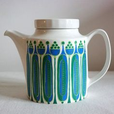 Teapot from Figgjo Flint Norway in 'Granada' by SkandiModern Vintage Crockery, Vintage Ceramic, Vintage Items, Vintage Tableware, Vintage Kitchen, Retro Futuristic, Decoration Design, Eclectic Decor, Handmade Home