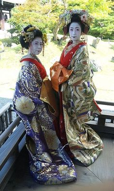 """2 of the 5 Tayu left in Japan.  Tayu is the highest rank of Oiran, Japns traditional """"escorts"""""""