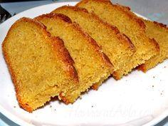 Mısır ekmeği Karadeniz bölgesinde en çok hazırlanan ekmeklerden bir tanesidir. Piştiği zaman sıcacık lezzetiyle tüm yemeklerin yanında kolaylıkla yenmektedir.
