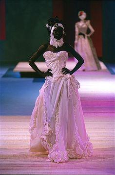 Wedding Dresses-Christian Lacroix-Luxe-Fashion-Elegance-Haute Couture-Bride