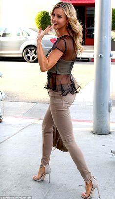 Joanna Krupa.. stylish side..