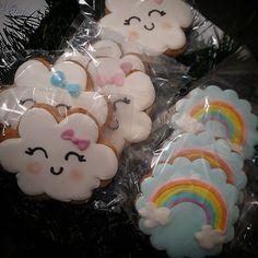 Lluvia de amor♥️♥️♥️#milagrosresoagli #cookiespersonalizadas 2nd Birthday Party Themes, Rainbow Birthday Party, Rainbow Theme, First Birthday Parties, First Birthdays, Amor Ideas, Birthday Cake Decorating, Baby Shower, Baby Sprinkle