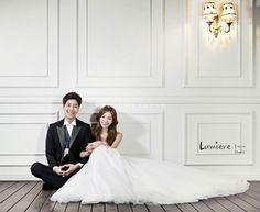 groom and bride focused clean and simple background Korean studio