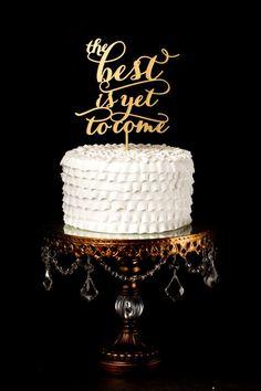 topo de bolo com frase, uma opção diferente e muito elegante! #revistacasare #topodebolo #bolodecasamento #casamento #sitedosnoivos #casare #sitesdecasamento