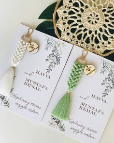 Macrame Wall Hanging Patterns, Macrame Art, Macrame Projects, Macrame Knots, Rope Crafts, Fun Diy Crafts, Yarn Crafts, Keychain Design, Diy Keychain