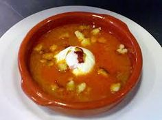 Recetas originales, divertidas, economicas y saludables: Receta Original de Sopa de Ajos con Chorizo.